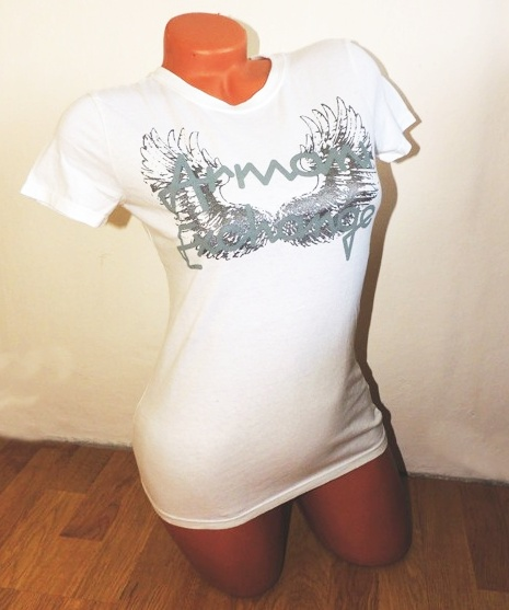 2555d38ce5e5 Dámské oblečení  Dámské tričko Armani Exchange s křídly bílé barvy