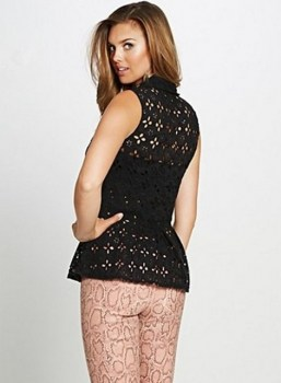 halenka-guess-sleeveless-eyelet-peplum-top-cerna-2__08946